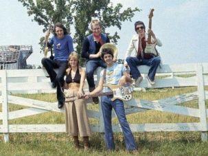 Wings w Paul Linda and Dennis