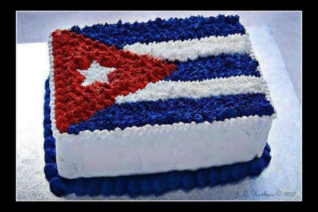 cake w Cuban flag