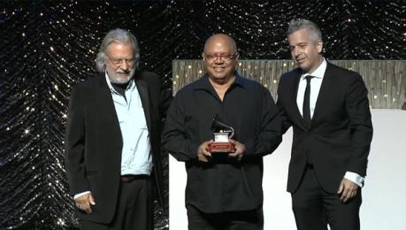 Pablo Milanes Premio a la excelencia musical