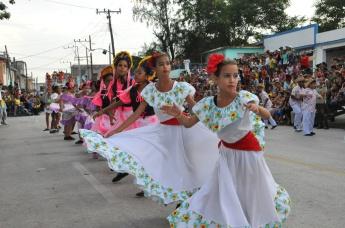 100-sones-cubanos-comparsas-bayamo-2015-la-demajagua