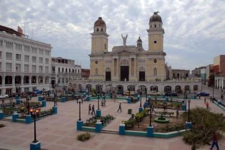 santiago-de-cuba_parque-cespedes_