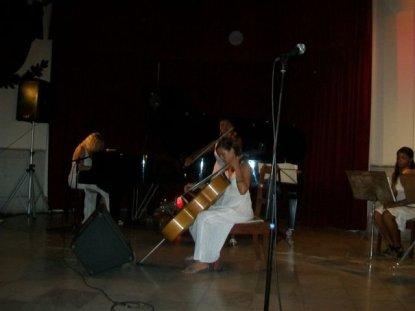ana-martin-p-mara-navas-cello-y-rosmery-viera-violin-tema-para-un-angel