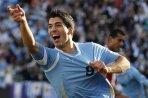 delantero Uruguayo Luis-Suarez-celebrando