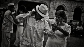 El Danzon si se baila en Cuba