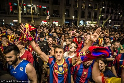 Thousands of Barca fans suppoprting their Team