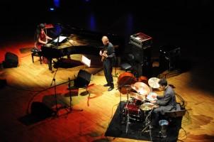 Aziza Mustafa Zadeh Trio (1) c otro Trio
