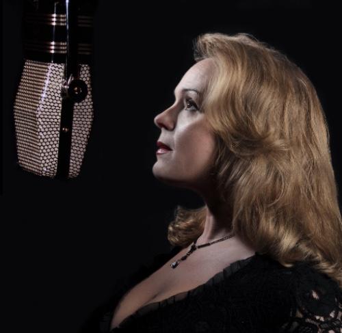 Jazz Singer Solitaire Miles
