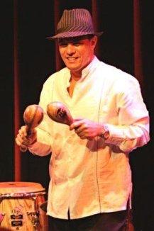 Cuba Disco 2017 William Borrego cantante y maraquero