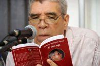 guillermo-rodriguez-rivera leyendo El Libro Rojo