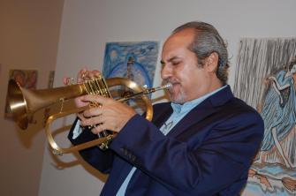 Carlos Puig con su fliscorno