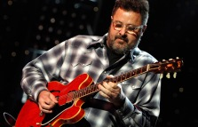 Vince Gill w his guitar 1