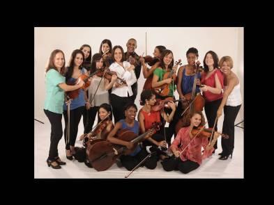Orquesta de Camara de La Habana c su directora