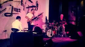 Alejandro Falcon c bajista y Ruy Lopez Nussa d