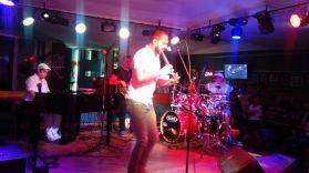 Alejandro Falcon en El Cafe Miramar Jazz de Cuba