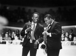 Wayne Shorter and Miles Davis very elegant