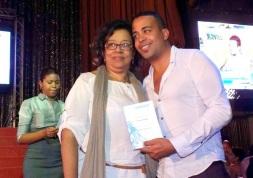Roberto Carlos Rodriguez Cucurucho y su mama Miriam Valdes