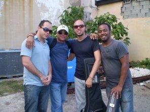 Carlos Miyares c Tony Rodriguez y Nestor del Prado