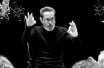 Leo Brouwer conducting @ 4to F de Musica de Camara de La Habana
