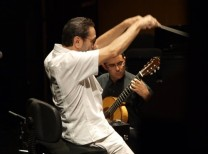 LeoBrouwer conducting and guitarists Javier Ribal Les V H 2015