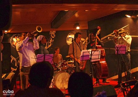 La zorra y el cuervo jazz night club in Vedado© Cuba Absolutely, 2014