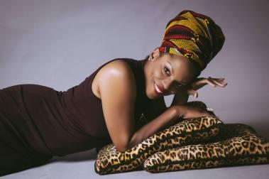 Nnenna Freelon preciosa mujer y gran cantante de JAZZ