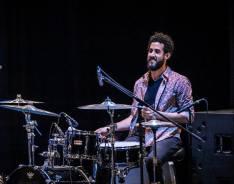 Ruly Herrera con su bateria