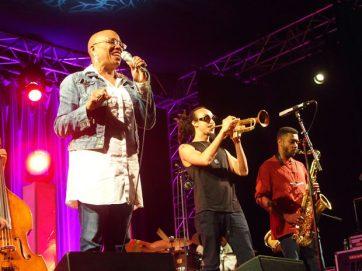 Dee Dee Bridgewater con Theo Croker y saxofonista