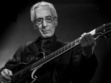 Jazz Jambouree Barcelona Pat Martino con su guitarra