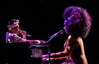Omara Portuondo y Aymee Nuviola